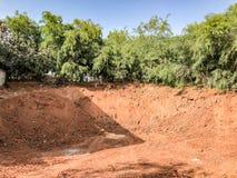 Construction d'un puits profond de base de bâtiment industriel Images stock