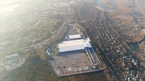Construction d'une grande usine, extérieur industriel, vue panoramique de l'air Chantier de construction, construction métallique clips vidéos
