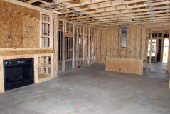 Construction d'une nouvelle maison étant construite images libres de droits