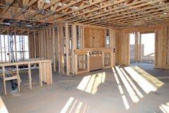 Construction d'une nouvelle maison étant construite photo stock