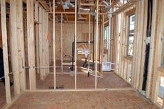 Construction d'une nouvelle maison étant construite photographie stock libre de droits