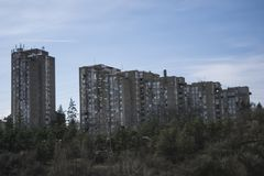 Construction dans le règlement de Julino Brdo dans la municipalité de Cukarica photo stock