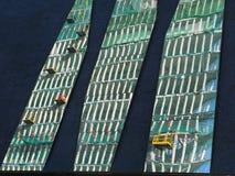 Construction de Barcelone réfléchissant sur des autres Image stock