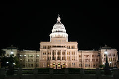 Construction de capitol d'état la nuit à Austin du centre, le Texas Photo stock