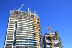 Construction de deux gratte-ciel Photographie stock libre de droits