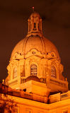 Construction de législature d'Alberta la nuit Photo stock
