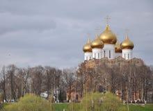 Construction de la cathédrale d'hypothèse, Yaroslavl Image libre de droits