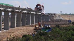 Construction de la ligne de train à grande vitesse en parc du Kenya Nairobi, clips vidéos