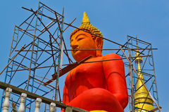 Construction de la statue neuve de Bouddha photos stock
