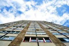 Construction de logements d'appartement de vingt planchers dans Miskolc, Hongrie image libre de droits