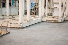 Construction de logements, plancher en béton en construction Images stock