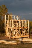 Construction de maison écologique Cadre en bois de maison en construction Nouvelle construction encadrée d'une Chambre Image stock