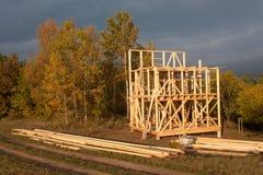 Construction de maison écologique Cadre en bois de maison en construction Nouvelle construction encadrée d'une Chambre Photo libre de droits