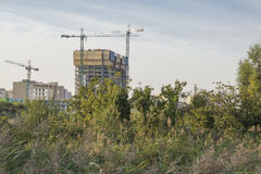 Construction de maisons ayant beaucoup d'étages résidentielles Photos stock