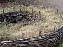 Construction de mur en bois et de gravier Photo libre de droits