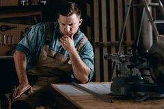Construction de planification d'artisan dans l'atelier Photo stock