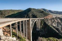 Construction de pont de Bixby en 1932 chez le Hwy côtier 1, la Californie, USA photographie stock libre de droits