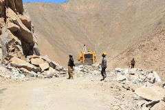 Construction de routes dans Ladakh Photos stock