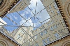 Construction de toit avec le verre Image stock