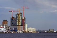 Construction des immeubles de bureaux neufs Images stock