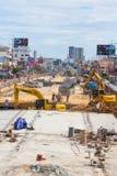 Construction des routes pour améliorer le voyage et creuser le sous-sol à Pattaya en Thaïlande en 2016 photographie stock libre de droits