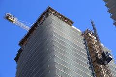 Construction du bâtiment ayant beaucoup d'étages Photographie stock