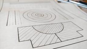 Construction du dessin mécanique sur le papier Figures, lignes, cercle tracé par le crayon Photographie stock