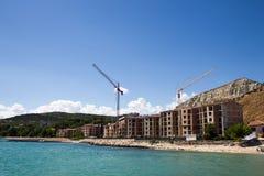 Construction du nouveau logement d'élite sur la mer Photos libres de droits