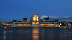 Construction du parlement de Budapest Photo stock