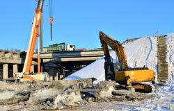 Construction du pont en automobile photographie stock libre de droits