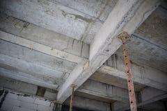 Construction en construction avec l'appui en acier de fer Image libre de droits