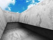 Construction en béton d'architecture abstraite sur le ciel nuageux Photographie stock libre de droits