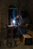 Construction en métal soudé de soudeuse Photographie stock libre de droits
