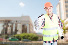 Construction engineer showing debit card Royalty Free Stock Photos