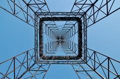 Construction industrielle symétrique de tour Images libres de droits