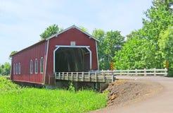 Construction intérieure de pont couvert - Orégon image libre de droits