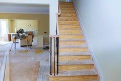 Construction intérieure de programme de construction de logements avec la cloison sèche installée et raccordée sans peindre appli Image stock