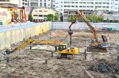 Construction jaune de grue du véhicule deux Image libre de droits