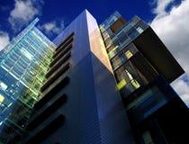 Construction moderne de cour, Manchester, R-U Image stock