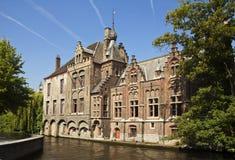 Construction par Canal In Bruges Images libres de droits