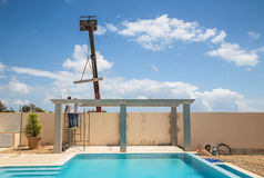 Construction of a pool side pergola Royalty Free Stock Photos
