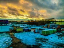 Construction& x27; puesta del sol de s fotos de archivo libres de regalías