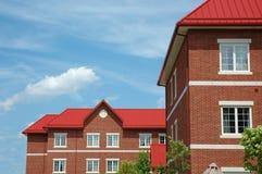 Construction rouge de toit Photographie stock libre de droits