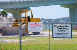 Construction site parking no trespassing signs Royalty Free Stock Photography