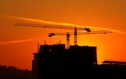 Construction sur le coucher du soleil photo libre de droits