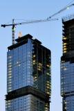 Construction sur le coucher du soleil photographie stock libre de droits