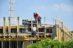Construction workers at work Royalty Free Stock Images