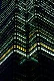 Constructions d'affaires la nuit Photos stock