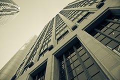 Constructions de corporation dans le point de vue Photo stock