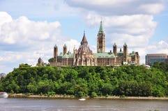 Constructions du Parlement et bibliothèque, Ottawa Photos stock